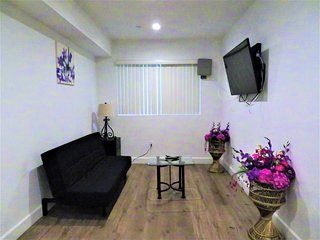 2 Bed/2 Bath Lovely and Spacious Unit