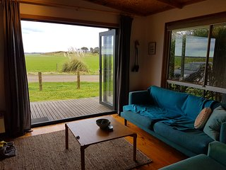 Far View Venus Bay. Linen Service, Wifi, Netflix  & Pets Welcomed