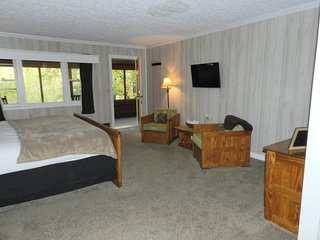 #202 WATERFRONT !  private entrance & bath. HOT TUB !  - King