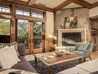 Warmly elegant condo in town w/ mtn views, near the slopes, & one dog welcome!
