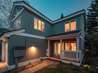 Teton Pines Luxury Townhome with Private Hot Tub!