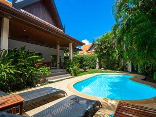 2 Bedrooms Comfortable Pool Villa - Romanee