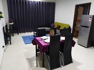 One Premium Bedroom * De Glam Regalia Residence
