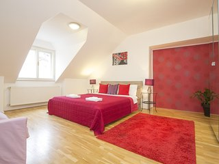 Old Town Terrace. 4 bedrooms with huge roof terrace. Free transfer on arrival