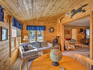 NEW! Cozy Lake Nebagamon Cabin - 15 Mins to Lake!