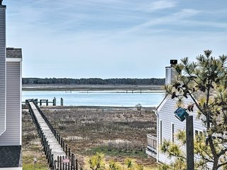 NEW! Chincoteague Townhome w/Pony Views from Deck!