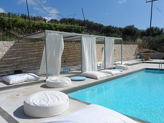 Pervola Petit Hotel Pool studio with loft