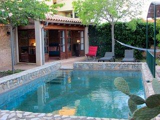 Cas Canonge,centrica casa rural con jardin y piscina