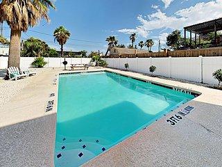 Walk to the Beach! 4BR Trojan Paradise w/ Balcony & Private Pool