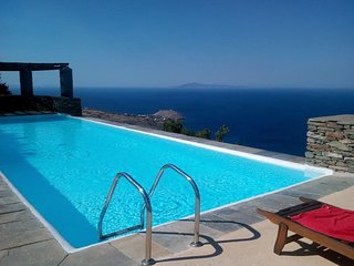 ANDROS Island HOUSE Amazing Views + Pool Sleep 4/5