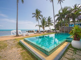 The Rock Villa beachfront holiday home with private swimming pool and Jacuzzi.