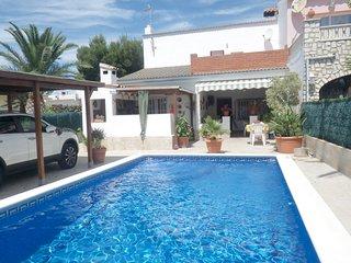 Casa piscina privada a 650m playa de la Almadrava y a 900m puerto de calafat