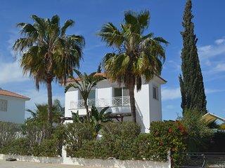 Yolanda Holiday Villa