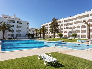 Elvin White Apartment, Porches, Algarve