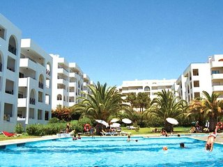 Elvin Black Apartment, Porches, Algarve