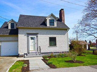 Salt Life Cottage - utterly charming South End house within walking distance to