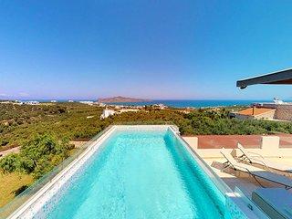 Efie Seaview Luxury Villa, 1km From Stalos Beach Chania