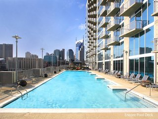 SoBe Downtown 2BR Condo on Demonbreun!
