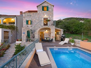 Villa Gold Bol – Traditional stone villa with pool near Golden Horn beach, Bol