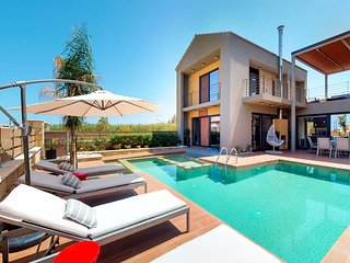 Dessin Seaview Villa, Just 50m From Kolymvari Beach, Chania