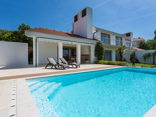Exclusive and modern  Casa Vidmar with a large swimming pool *****