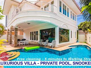 4 bedrooms Tewaree villa near the beach and walking street
