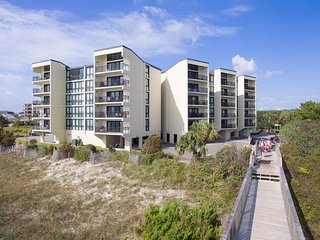 Direct Oceanfront Condo - A44 Shipyard