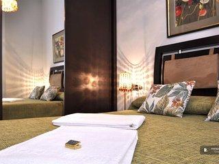 Charming 3 bedroom Villa in Seville  (F8303)