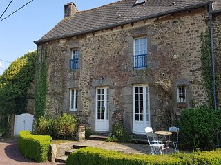 LA MAISON BLANCHE a lovely rustic old farmhouse with above ground swimming pool.