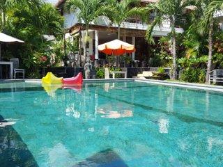 7 or 8 bedroom private tropical villa with large pool, Umalas Canggu Seminyak