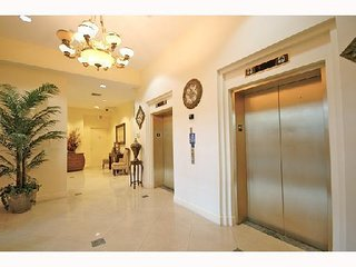 CORAL WAY | 3 BEDROOM | 6TH FLR W01
