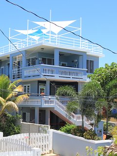 2 Bedroom Tropical Paradise 30 Steps to Shacks Beach