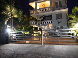 5 Bedroom Tropical Vacation Paradise 30 Steps to Shacks Beach