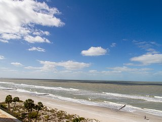 Incredible Views From This Beach Front Condo!