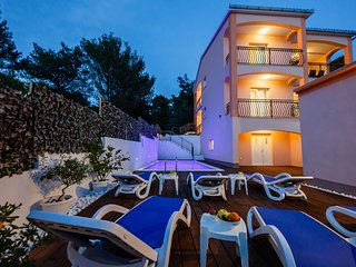 Villa Nora (heated pool) island Ciovo Trogir