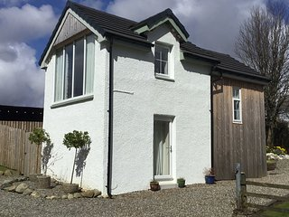 Burn View Cottage is a modern detached property in a stunning location