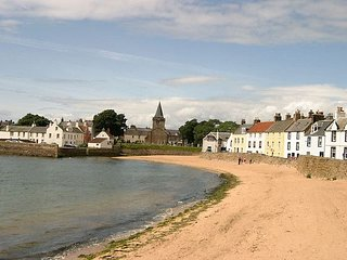 Anster Neuk, Anstruther, close to the beach and St Andrews