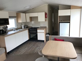 Challaborough Bay - 3 Bedroom Modern Caravan (DG/CH) - 5 mins walk from beach