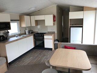 Challaborough Bay - 3 Bedroom Modern Caravan (DG/CH) - 5 mins walk from beach