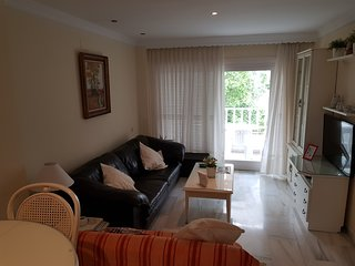 3 bedrooms duplex apartment near puerto banus.walking distance to all amenities.