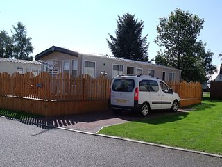 Roydon. Chalet 32,  Boat of Garten Holiday Park