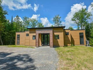 Luxury chalet in Nature 10 min from Tremblant ski slopes, Clubhouse