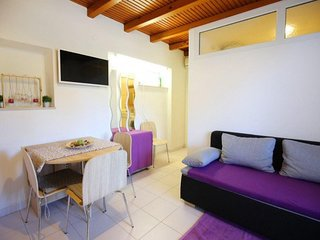 Apartment Ana Bibinje near the beach A2 2+1