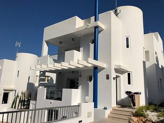Fabulous modern Villa, 10 min walking from Cala Vadella, private swimming pool.