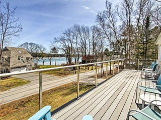 NEW-Spacious Freeport Home w/ 2 Decks & Water View