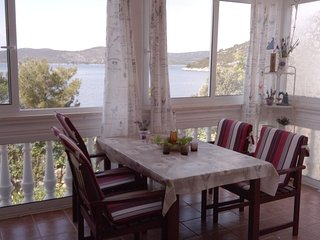 Veli Drvenik Apartment Sleeps 5 with Air Con - 5470882