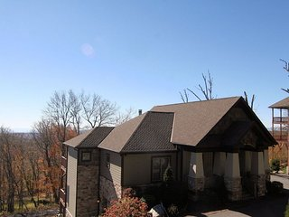 Heart Rock Lodge ~ Elevation above 5200, Gated Community, Views, Trails, Hot Tub