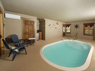 Movie Dive-Inn a 4 bedroom cabin in Laurel Estates with its own pool.