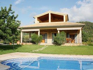 Cas Mestre amplia casa con piscina y jardines con vista a la serra de Tramuntana