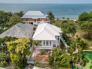 Exclusive Beachfront Villa